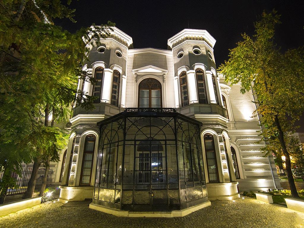 viziteaza-palatul-sutu-muzeul-bucuresti